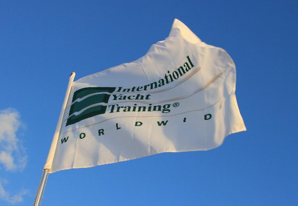 флаг IYT WW